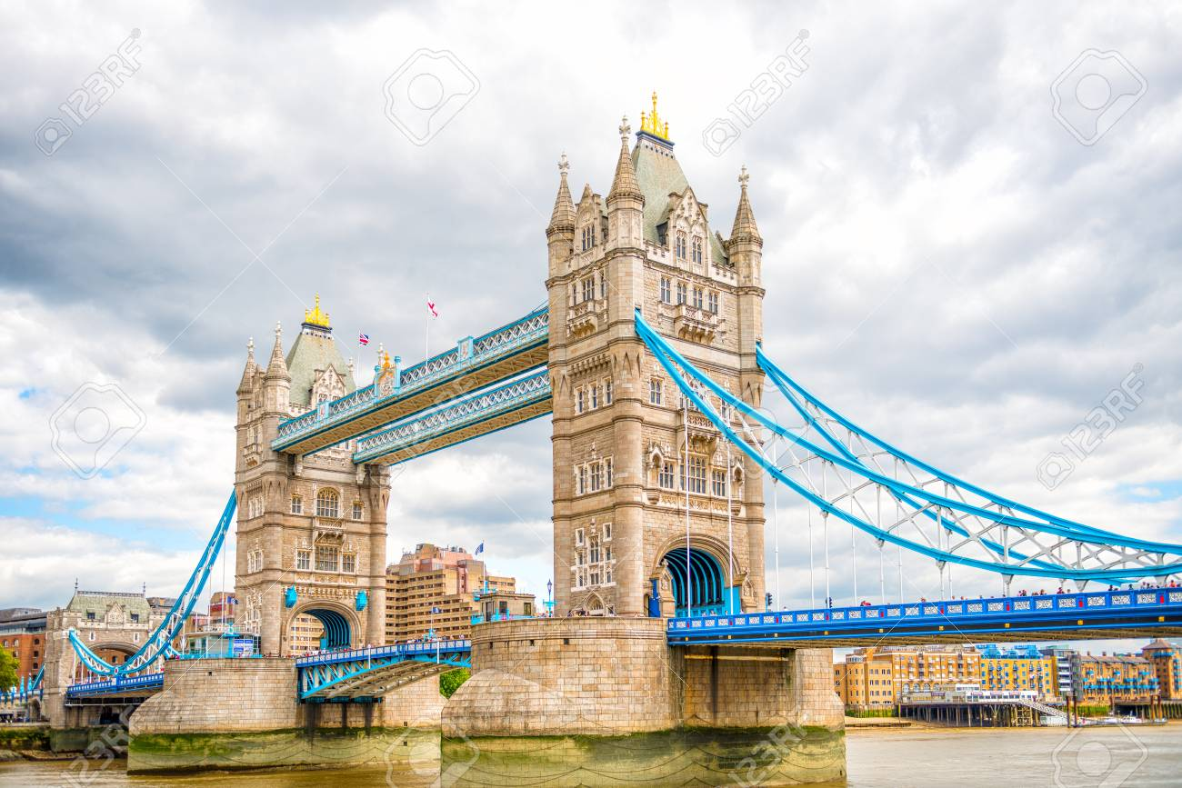 Tower Bridge di London - Wisata Terbaik Di London